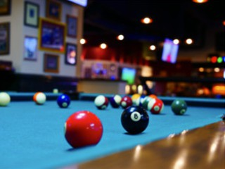 Expert pool table setup in Snoqualmie content img2